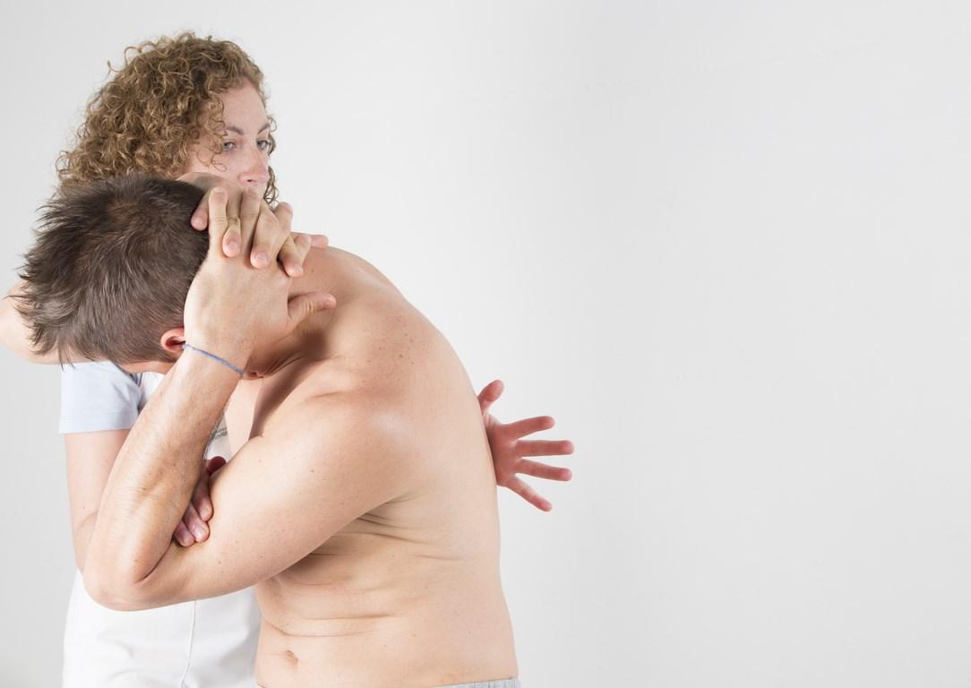 manipulació de quiropràctica aplicat al quiromassatge a l'esquena